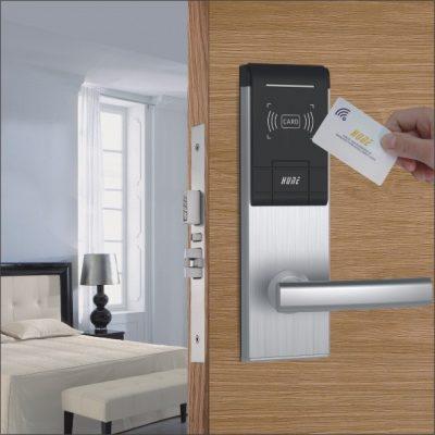 khóa cửa thẻ từ