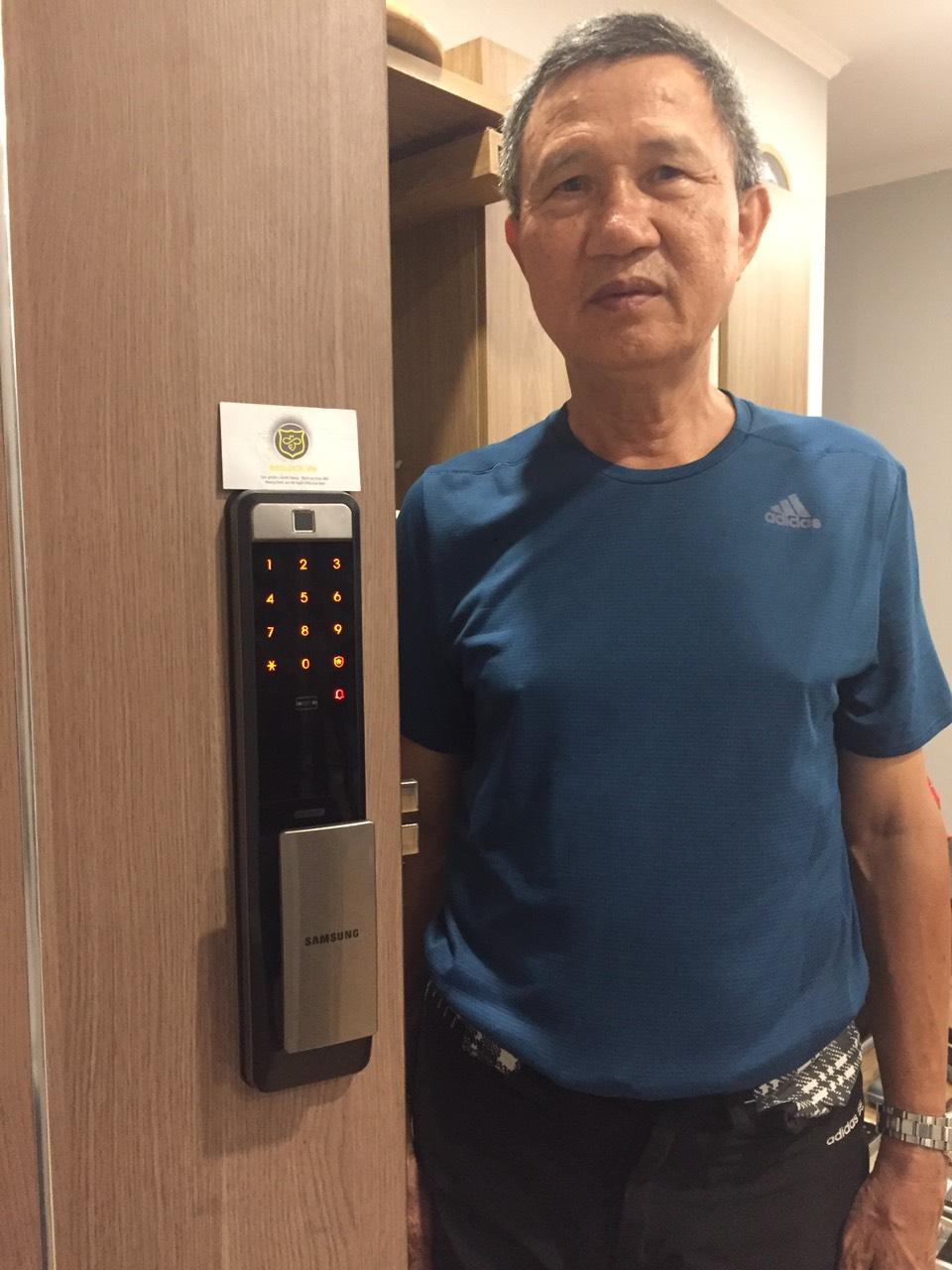 khóa cửa vân tay samsung-Dp609