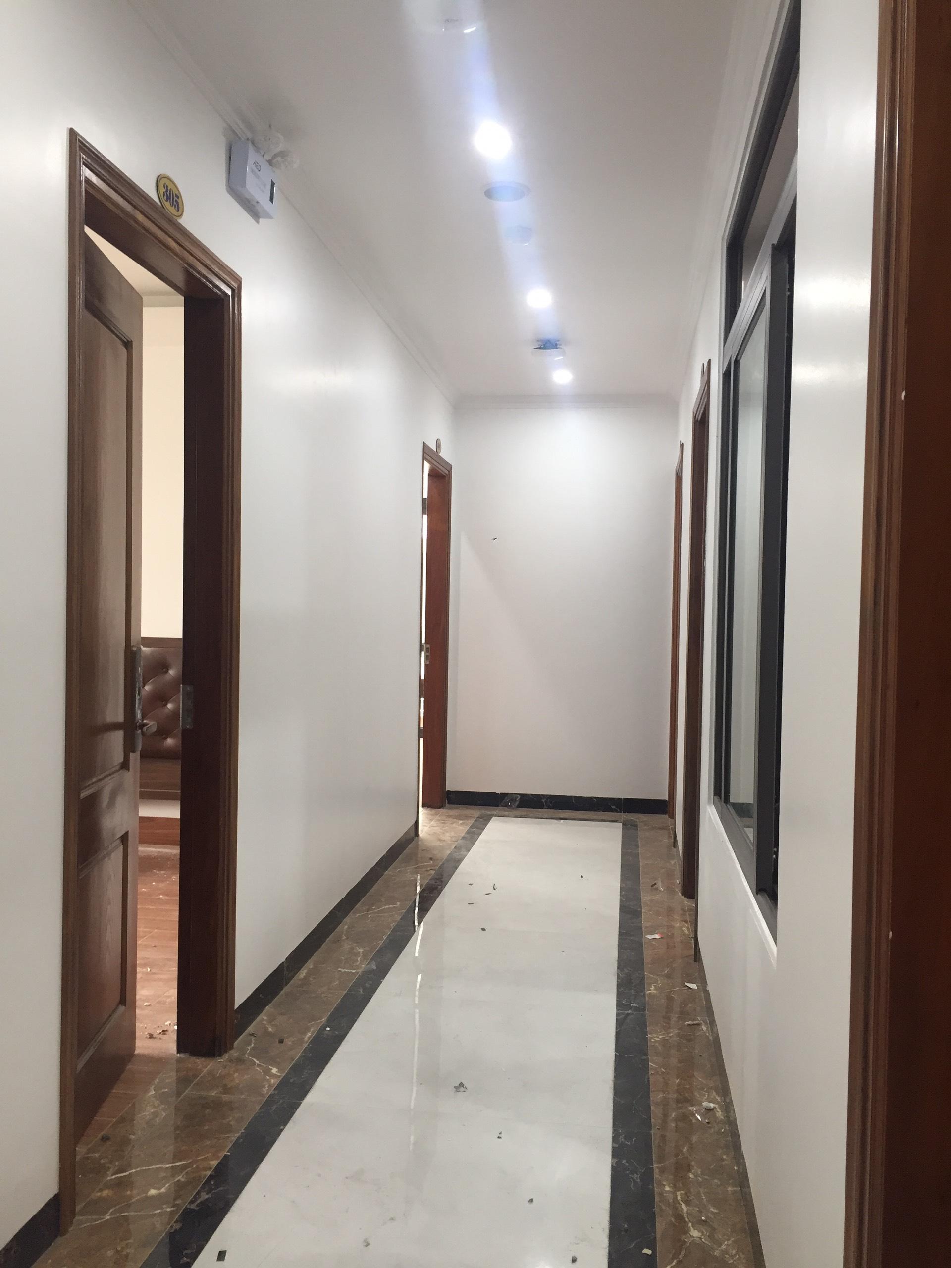 lap-dat-khoa-khach-san-lux-hotel