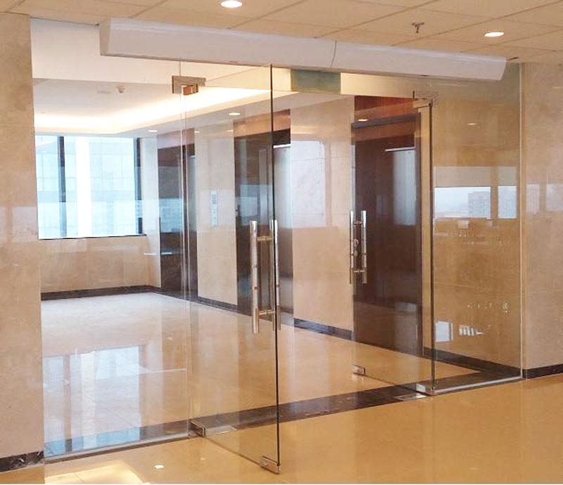Top 19+ mẫu cửa kính cường lực đẹp nhất khung nhôm, gỗ, inox 2021
